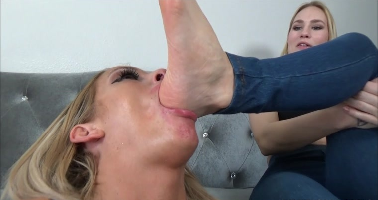 Bella Ink Productions - My New Foot Bitch Bella