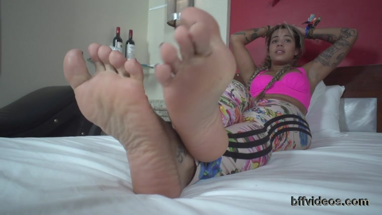Bffvideos - Lolah Vibe Sweaty Feet Of Sneakers Pt.3
