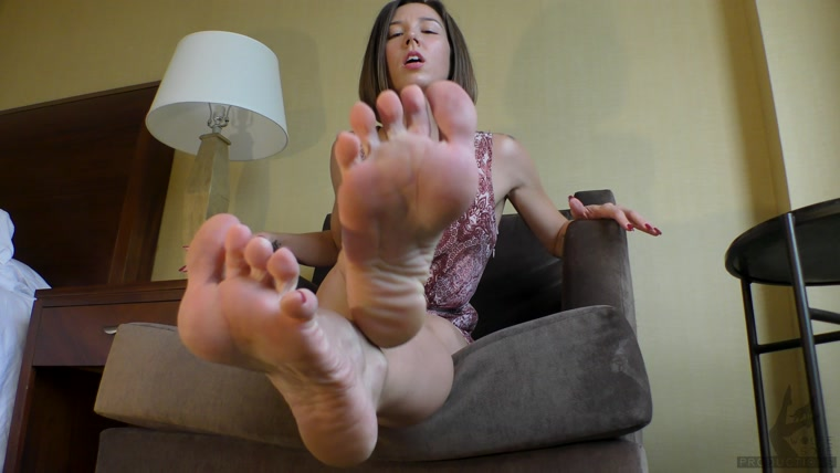 Worship The Wolfe - Addicted To Goddess Wolfe's Godly Feet