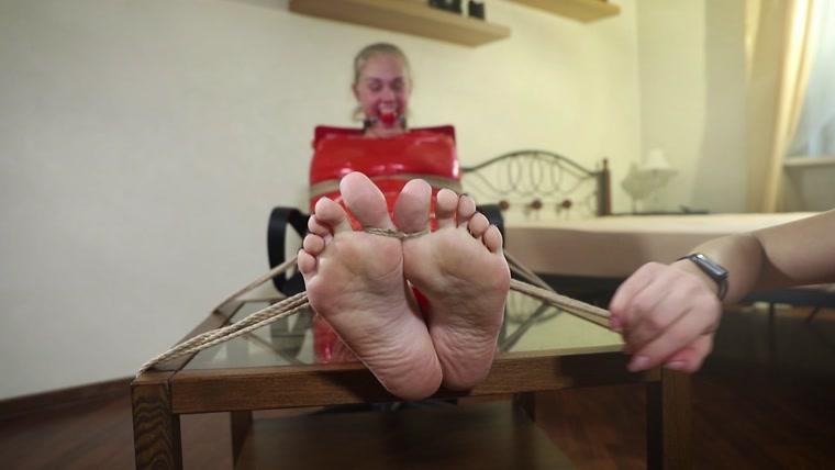 Lesbian Stinky Feet Lick