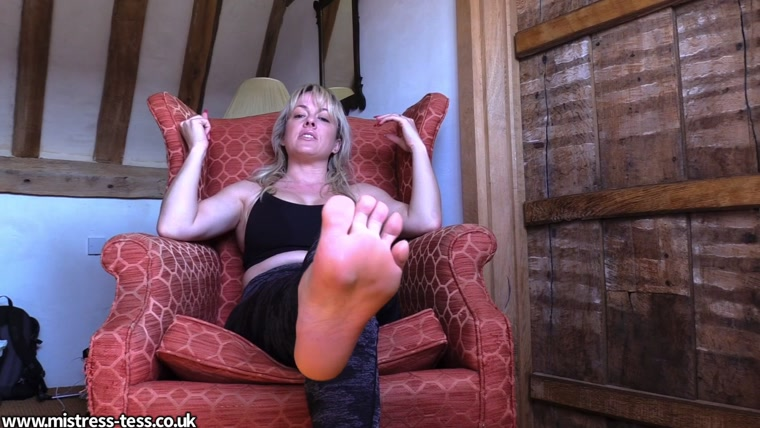 Mistress Tess - Post run sweaty foot worship POV