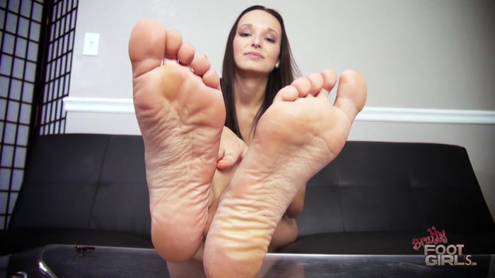 Lexi Luna - Chastity Foot Bitch