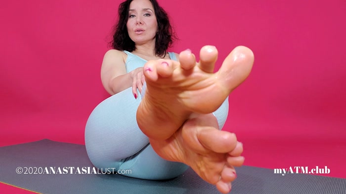 Anastasia Lust - Under My Feet