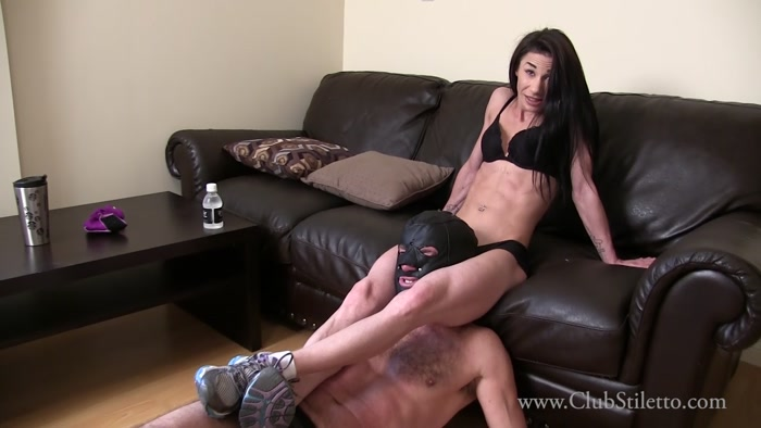 Club Stiletto - Miss Judy - Between the Legs of his Muscle Goddess