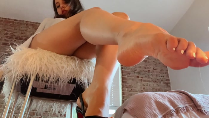 Princess Violette - Obey My Legs