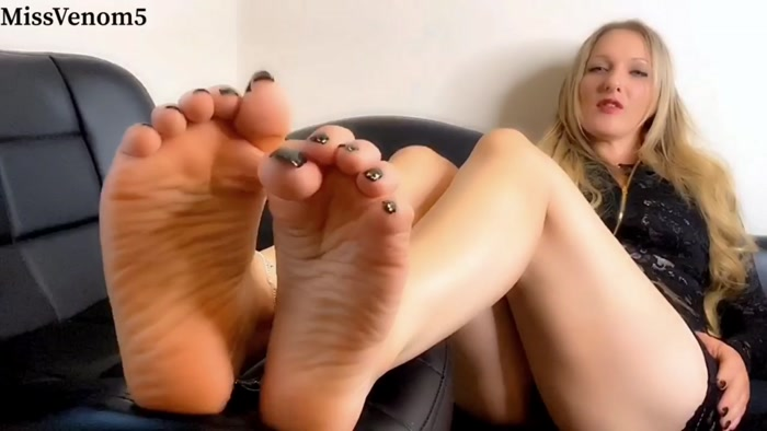 MissVenom5 - Bare Foot Satisfaction