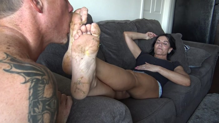 Goddess Zephy - Lick My Nasty Feet Clean, Foot Cucky Loser