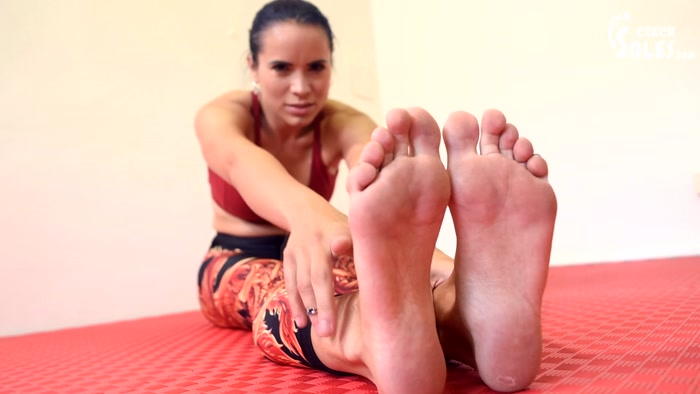 Blue Kate - Mixed wrestling foot domination