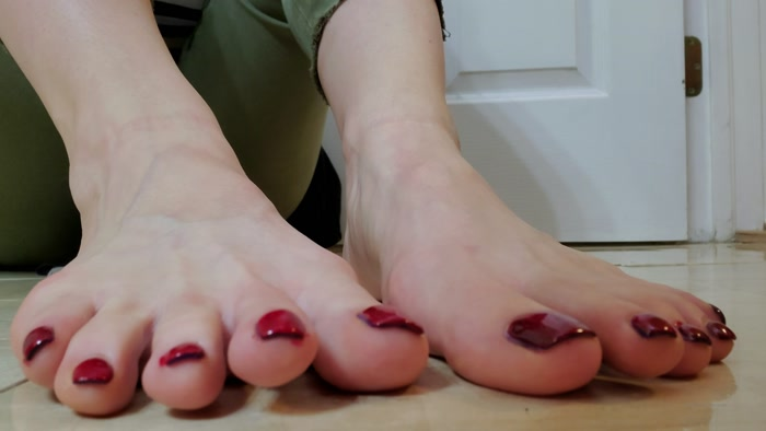 terramizu - Video Painting my toes red