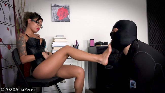 Goddess Asia Perez - Foot Slave Clean