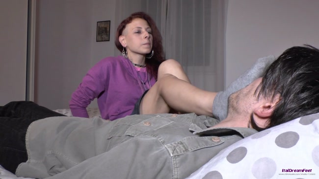 ItalDreamFeet - Simply Amanda The rent payment