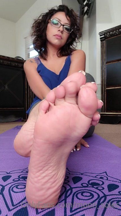 moon soles - Sole kissing